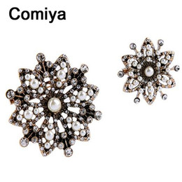 Wholesale Broches Pearls - Wholesale- Comiya broches mujer brooch jewelry accessories fashion antique gold color zinc alloy imitation pearl flower charm women brooch