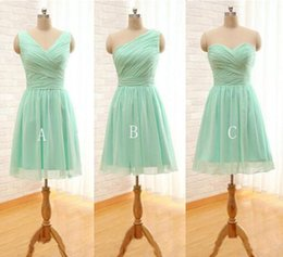 Wholesale Mix Order Dresses - Bridesmaid Dresses Under 50 Pleated Short Chiffon Bridesmaid Dress Mint Green 2017 Knee Length Wedding Party Dress Mixed Order Plus Size