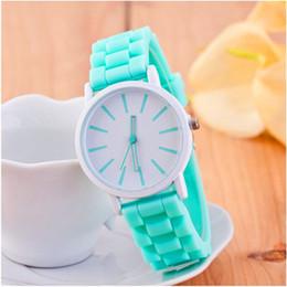 часы силиконовые гены Скидка Женева римские часы мужчины женщины унисекс резиновые конфеты желе мода женщины силиконовые кварцевые часы Montre Femme бесплатная доставка