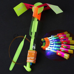 Wholesale Light Up Flying Helicopter - LED Flier Flyer LED Flying Amazing Arrow Helicopter Flying Umbrella Kids Toys Amazing Shot Light-Up Parachute Gifts OOA2245