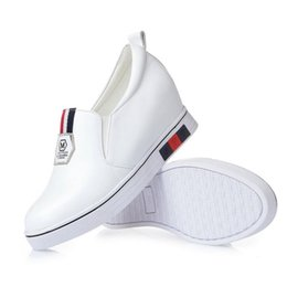 Wholesale Female Shoe Designers - 2017 Spring New Designer Women Flat walking Shoes Casual Genuine leather Shoes female Elegant White Flats Shoes Woman Pumps