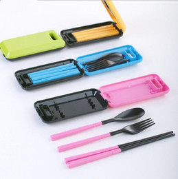 Wholesale Portable Plastic Cutlery Sets - Tableware Pinkycolor Creative Portable Three Pieces Dinner Sets Plastic Chopsticks Spoon Fork Fold Combination Travel Cutlery suit YYA131
