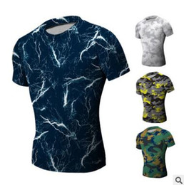 Camisas de manga curta apertadas mens on-line-Novos Mens T-shirt Manga Curta O Pescoço Compressão Tops Cool Skin Collants Camo Workout Roupas Ginásios Slim Fit Treino de Musculação Desgaste Azul