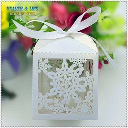 Wholesale Cutting Food Box - Wholesale- 50PCS 2016 Laser Cut Snowflake Christmas candy box,halloween decoration in Pearlescent paper ,party show candy box,Chocolate Box