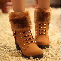 Canada Bottes de neige d'hiver pour femmes Angleterre Style Chunky talon fourrure Martin bottes bottes de femmes épaisse boucle cheville livraison gratuite cheap england heels Offre