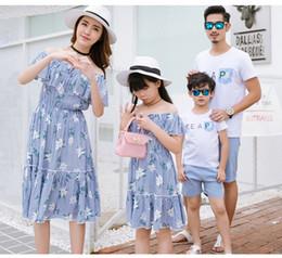 Wholesale Womens Floral Print T Shirt - Family beach dresses sets womens grils floral printed falbala slash neck dress father son summer T-shirt shorts 2pc clothing sets T3482