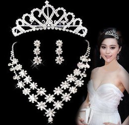 Wholesale Green Feather Hair Comb - Shining Crystal Crown Tiaras Rhinestone Head Piece Wedding Hair Combs Bridal Girls Princess Hair Crown Hairpin Jewelry