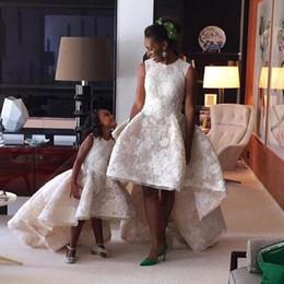2019 vestidos árabes para casamentos Árabe Alta Baixa Flor Menina Vestidos Para Casamentos Mãe Filha Vestido de Renda Apliques Meninas Pageant Vestido Crianças Vestido de Festa Formal vestidos árabes para casamentos barato
