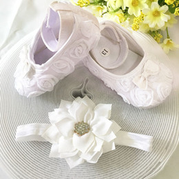 Wholesale Wholesale Shoes For Little Girls - Wholesale- Kids little flowers Shoes for Girl Princess Lace Headband Cute Infant Girl Toddler Shoes Set Newborn Photography Props 5TX03