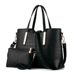 Wholesale Michael Handbags - Wholesale- 2016 women handbag leather hand bag michael crocodile crossbody bag shoulder messenger bags clutch tote+purse 2 sets sac F40-777