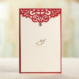 Wholesale Wedding Menu Cards - Wholesale-High Class Red Laser Cut Wedding Invitations 2015 Wedding Menu Cards with Diamond Convites De Casamento free Printing+Envelope