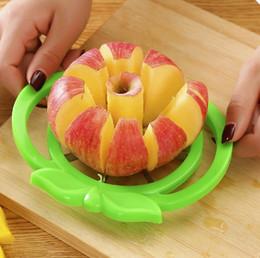 Mele tagliate online-Metallo 15.5 cm Apple Slicer Cut Frutta Taglierini Gadget da cucina Corer Affettatrici Cutter per mele Strumento pera Verdura Divisore da pranzo