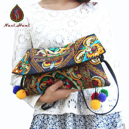 All'ingrosso-Newest Vintage Fashion ricamo borsa delle donne Hmong Handmade tela copertura tracolla borse a tracolla panno etnico piccoli sacchetti da