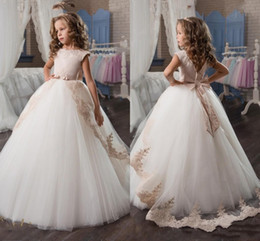 Wholesale New Arrival Girls Dress - New Arrival 2017 Princess Ball Gown Flower Girls Dresses with Lace Appliques Big Bow Prom Wear For Kids Low Back First Communion Dresses