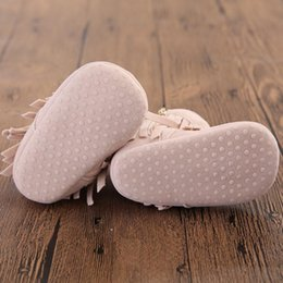 Wholesale Cute White Booties - 2017 European Style Fashion New Baby Shoes Tassel Infant Cotton Boots Cute Girls First Walker Booties Cute Soft Sole Autumn Winter 6 Colors
