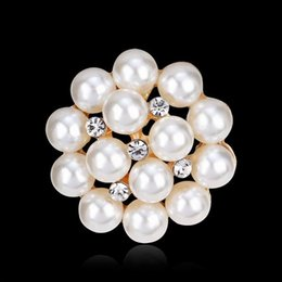 Wholesale 14k Pearl Brooch - Wholesale Crystals flower Scarf brooches women Brooch pins Clip Buckle Hold Rhinestone imitation pearl brooches christmas gifts top quality