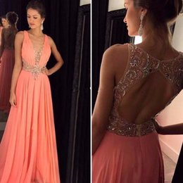 Wholesale Hot Very Sexy - The real photos of 2017 are very hot and sell the sexy v-neck women's ball gown with a beaded satin evening gown, VT8547