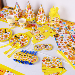 Wholesale Decorative Paper Sets - Lovely Disposable Tableware TableCloth Cups Paper Many Styles Yellow Emoji Theme Decoration Set For Festival Party Articles 34sc C R