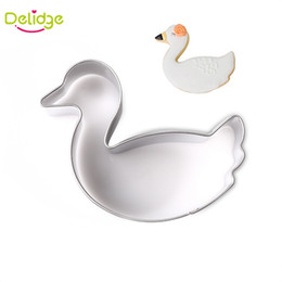 Muffa di uccelli online-Delidge 20 pz Little Swan Cookie Mould Stainless Steel sWeeding Swan Cookie Cutter Uccello biscotto Cake Fondente Decorazione Muffa
