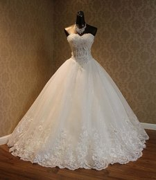Wholesale Sweetheart Lace Ball Gown - Real Pictures 2017 Elegant Wedding Dresses New Arrival Crystals Flowers Beaded Lace Cheap Bridal Gowns 2017 With(Petticoat+Veil)