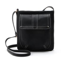 Venta al por mayor - Bolsos de cuero de estilo británico para mujeres Diseñador de época Bolsa cruzada Bolsas de cubo casual Bolsos de señora pequeña Crossbody desde fabricantes