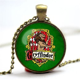 Wholesale Vintage Necklace Styles - 10pcs lot Vintage Style HP Hogwarts Gryffindor Emblem shield lion crest Symbol glass cabochon dome Pendant Necklace