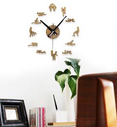 e31f4dd9fdb Atacado-New criativo moda SEX time pastoral gráficos de parede de madeira  do vintage simples DIY relógio grande relógio de parede quarto sala de  estar moda
