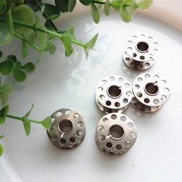 Wholesale Wholesale Sewing Machine Bobbins - 25 Pcs Lot Metal spools bobbin core Sewing machine accessories Useful household sewing tools DL_SWT013