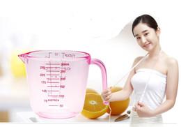 лабораторные стаканы Скидка 3 цвета 300 мл PS пластиковые Мерные чашки выпечки измерительный инструмент кухонные весы LB 036
