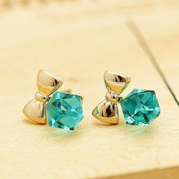 Wholesale Cube Bow Earrings - Fashion Exquisite Crystal Blue Water Cube Box Hot Bow Beautiful Earrings Jewelry Cube Type Female Earrings Wholesale 4ED200