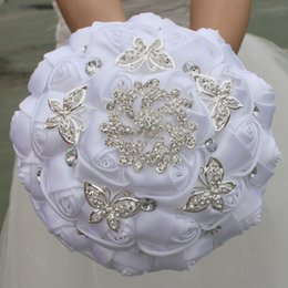 Wholesale White Brooch Wedding Bouquet - White Wedding Bridal Bouquets Handmade Flowers Sweet 15 Quinceanera Bouquets Pearls Crystal Rhinestone Rose Bridal Holding Brooch W292-3