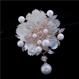 Wholesale Plum Blossom Brooch - Europe and the United States high - Xionghua pearls white natural shells inlaid zircon plum blossom brooch female jewelry
