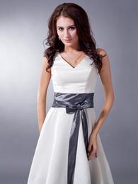 Wholesale Two Tone Knee Length Dresses - 2017 New Hot Sale Ivory Grey Two Tones Colorful Wedding Party Dresses V Neck Short Knee Length Sashes Satin Bridesmaid Dress
