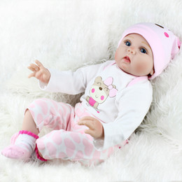 wiedergeborene geschenke Rabatt Wiedergeborene Babypuppen 22 Zoll lebensechte neugeborene Silikon Vinyl Reborn Geschenk Babypuppen handgefertigte Ganzkörper Silikon Vinyl Neugeborene Puppen Mädchen