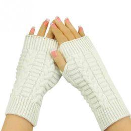 luvas sem dedos crochet livre Desconto Atacado- tamanho livre moda inverno à mão braço de crochê tricô de lã mitenes luvas sem dedos 8 cores