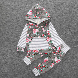 Wholesale New Newborn Unisex Set Clothes - 2017 Spring new baby clothes long-sleeved Floral Hoodies T-shirt + pants 2 pcs. Newborn baby clothes girl clothing set