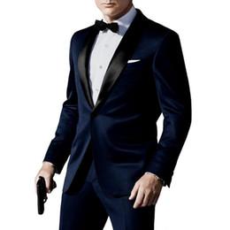 Venta al por mayor- Traje de esmoquin de novio azul marino / negro por encargo de calidad superior por encargo en trajes de boda de James Bond para hombres, chaqueta de baile, pantalones arco negro desde fabricantes