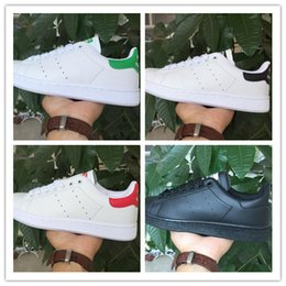 Wholesale Nude Color Shoes Flats - 2017 50 Years Classic style Stan Smith Shoes for men womenRunning Shoes 36-45 White Green color musial Stan Smith Skateboarding Shoes