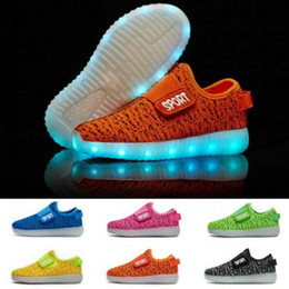 Wholesale Usb M - New Fashion Breathable Kids LED Luminous slip on Sneakers USB Rechargeable Children Air Mesh Boys girls Sports Shoes with lights