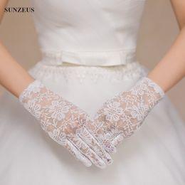 Wholesale Red Short Satin Gloves - Short Lace Wedding Gloves Wrist Length Finger Bridal Gloves Black Red White Ivory Braut Handschuhe New Arrival 2017
