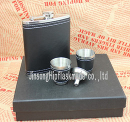 Wholesale Customize Packing Box Wholesale - 7 oz customized leather wrapped hip flask with 2 cups and funnel in gift box packing