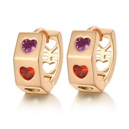 Pequeños aros de oro pendientes online-Moda 18K chapado en oro amarillo pequeños pendientes de lujo Cubic Zirconia pequeños corazones pendientes de aro mujeres joyería del oído pendiente del corazón