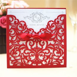 Wholesale wedding envelopes green - 2017 Wedding Invitation Cards Personalized Laser Cut Flower Red Hollow Party Card Printable With RibbonAnd Envelope
