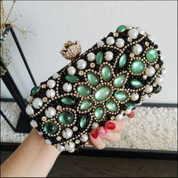 Wholesale Clutch Bags Shinny - 2017 Shinny Diamonds Bridal Hand Bags Twist Lock Bling Women Wedding Bridal Accessories Minaudiere Flap Cheap Price Fashion Chain Clutches