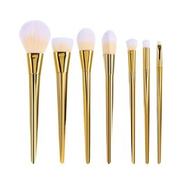 Wholesale Fund Pink - The new trend of 2017 7 PCS makeup brush set shadow fund eyeliner pink lip brush tool white and gold
