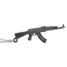 Ciondoli a fucile online-CF 3D Simulazione AK47 Gun Assault Rifle Collana pendente Cool Men Cross Fire Weapon Guns Metal Pendenti Collane