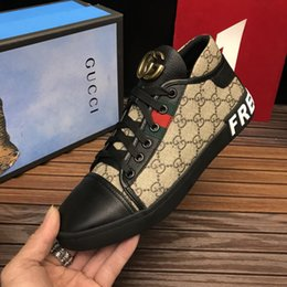 Wholesale Model Bees - Embroidered bee Men Shoes Man Casual Shoes Genuine Leather brand Fashion Male shoe High quality cow leather man selling Model 8079240