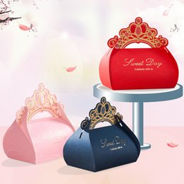 Wholesale Candy Gift Chocolate Favor Box - 2017 Wedding favor box 50pcs Gold Crown party candy box RED PINK BLUE chocolate gift box packing bags Event & Party Supplies