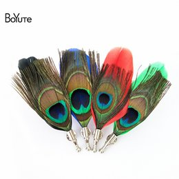 Wholesale Peacock Feather Pins - BoYuTe 5Pcs 12.5*4.5CM Fashion Peacock Feather Brooch 5 Colors Wedding Lapel Pin for Men Suit Jewelry