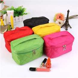 Wholesale Designer Toiletry Bag For Women - 2017 Hot selling woman designer cosmetic bags storage bags for makeup tools wholesale price travel toiletry bag Free shipping